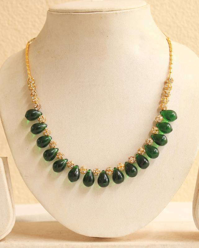 Buy Beautiful Simulated Emerald Beads Stone Necklace Online