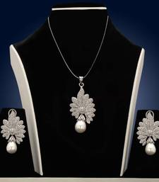 Buy Design no. 13B.1795....Rs. 3700 Pendant online