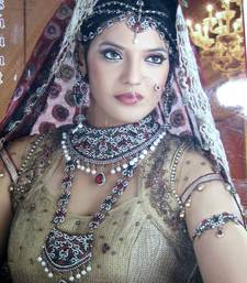 Buy Royal Designer Ethnic Bridal Collection No.  bridal-set online