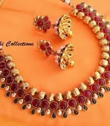 Buy Lovely Kempu Necklace Set Necklace online