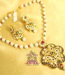 Buy Ruyal Kundan meenakari Pendant Set  Pendant online