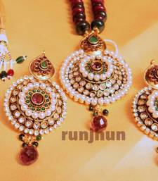 royal big stone and pearls pendent set with pearl mala shop online