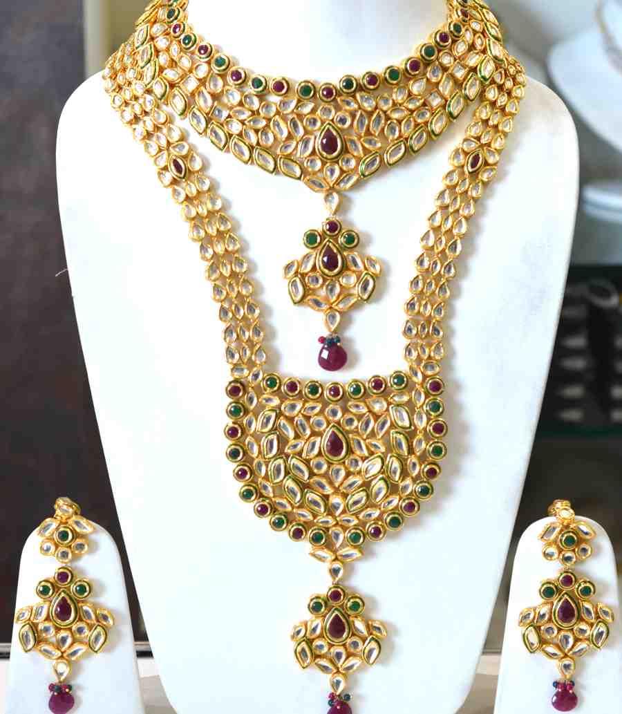 Wedding Wear Bridal Gold Necklace Set Rs 150000 Set: Buy Kundan Red Green Bridal Set Online